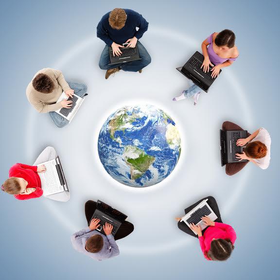 Grupos pela internet